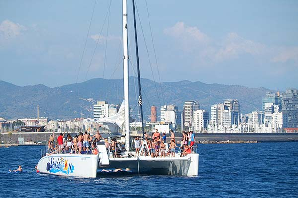boat 4 - Party Boat Trip - 46€