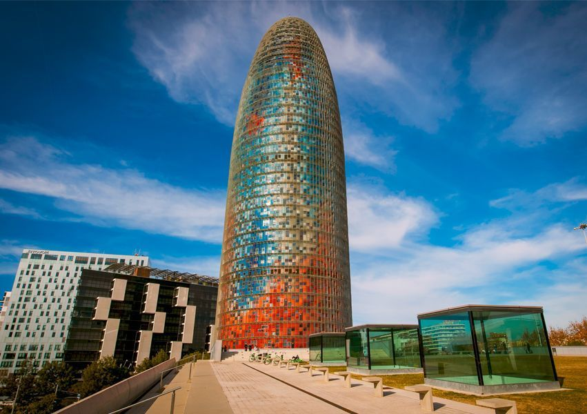torre agbar barcelona - Meet Barcelona from the sky