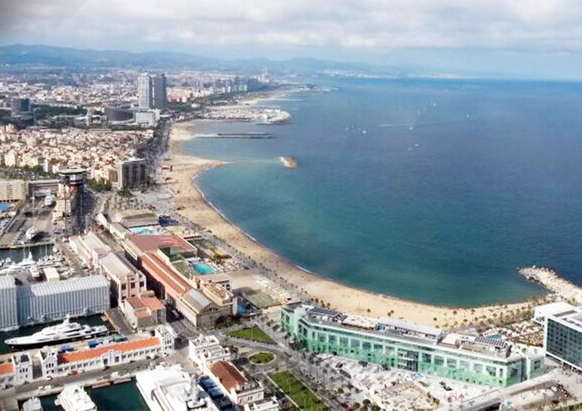 Discover Barcelona by helicopter 1 - Discover Barcelona by helicopter